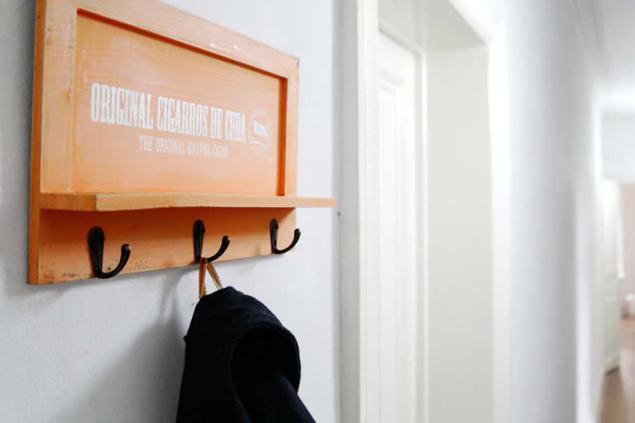 exklusive wandgarderobe wandhaken kleiderhaken ls. Black Bedroom Furniture Sets. Home Design Ideas