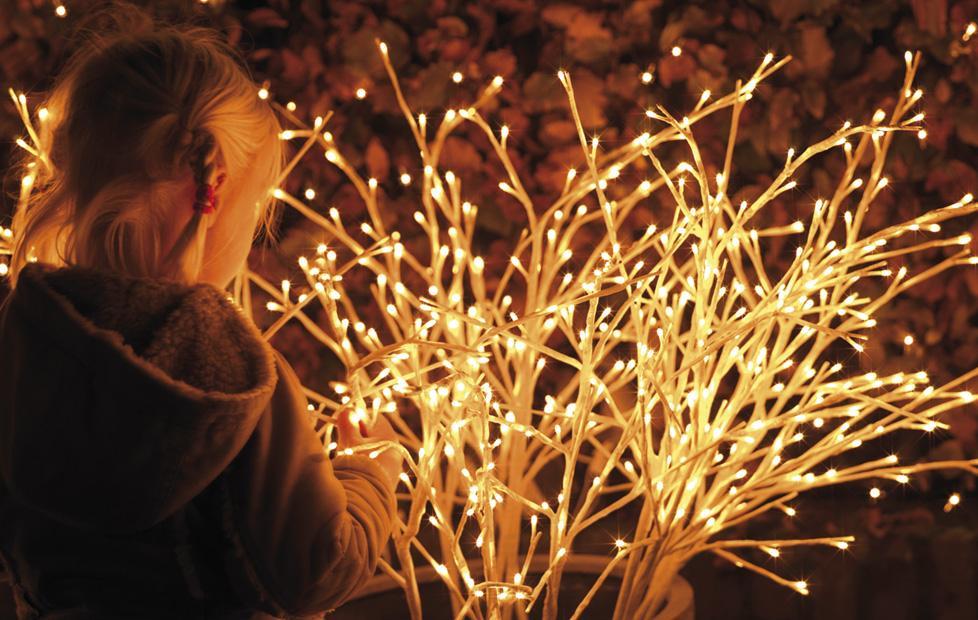 Beleuchtung wie led lichterketten leuchtfiguren ls for Leuchtfiguren
